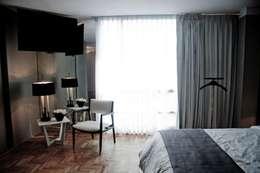 Habitaciones de estilo moderno por Elías Arquitectura