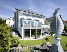 Projekty,  Ogród zaprojektowane przez Fertighaus Servicebüro Schwarz