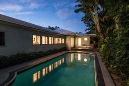 Dilido Island House-Miami 2: Albercas de estilo moderno por Elías Arquitectura