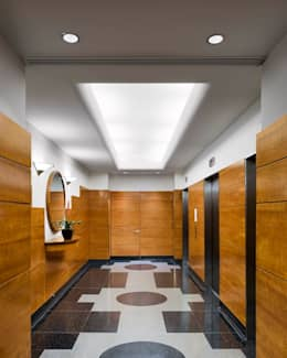 Uppern West Side Apartment-Manhatthan NYC: Vestidores y closets de estilo moderno por Elías Arquitectura