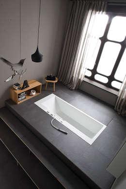 Baños de estilo minimalista por Giulio Gianturco