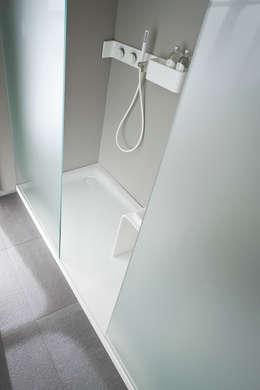 Piatto doccia filo pavimento vantaggi e prezzi - Posare un piatto doccia ...