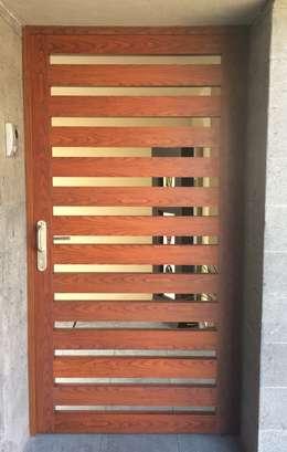 Puertas de madera para entrada principal puerta de madera for Puertas de madera para entrada principal de casa
