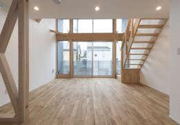 岡本建築設計室의  거실
