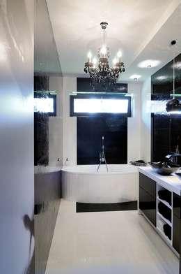 Łazienka czarno- biała : styl , w kategorii Łazienka zaprojektowany przez ARTEMA  PRACOWANIA ARCHITEKTURY  WNĘTRZ