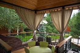 Balconies, verandas & terraces  by DECOR OUTDOOR
