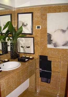 Baños de estilo moderno por MARIA ILHARCO DE MOURA ARQUITETURA DE INTERIORES E DECORAÇÃO