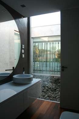 door Areacor, Projectos e Interiores Lda
