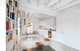 Cuisine de style de style Moderne par manrique planas arquitectes