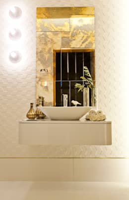 Instalação Sanitária Social: Casas de banho modernas por ÀS DUAS POR TRÊS