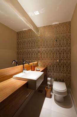 modern Bathroom by Mariana Borges e Thaysa Godoy