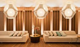 غرفة المعيشة تنفيذ Mariana Borges e Thaysa Godoy