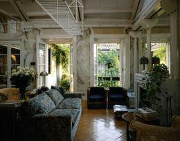 VITTORIO GARATTI ARCHITETTO: modern tarz Oturma Odası