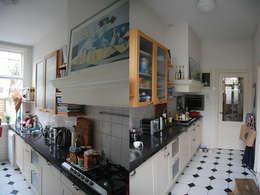keuken voor de verbouwing:   door Marc Font Freide Architectuur