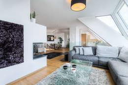 Dachgeschosswohnung Wien 2. Bezirk: Moderne Wohnzimmer Von Horst Steiner  Innenarchitektur