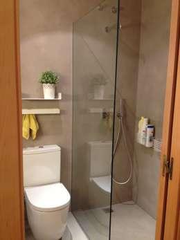 Projekty,  Łazienka zaprojektowane przez LLOBET interiors