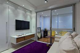 Salas / recibidores de estilo minimalista por Lucas Lage Arquitetura