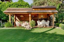 la terraza: Terrazas de estilo  por Excelencia en Diseño