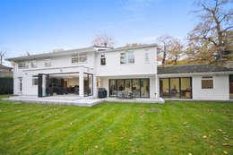 Jardins modernos por Concept Eight Architects