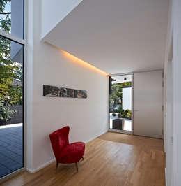 Marcus Hofbauer Architekt의  복도 & 현관