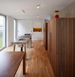 Küche Bulthaup: moderne Küche von Marcus Hofbauer Architekt