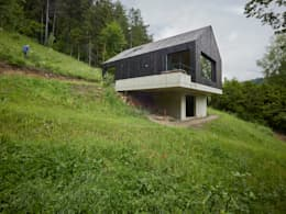 Rumah by Backraum Architektur