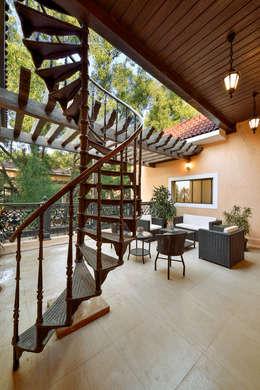 Terrace by ARK Reza Kabul Architects Pvt. Ltd.