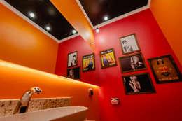 Baños de estilo moderno por ND HAUS