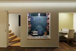 向山建築設計事務所: modern tarz Multimedya Odası