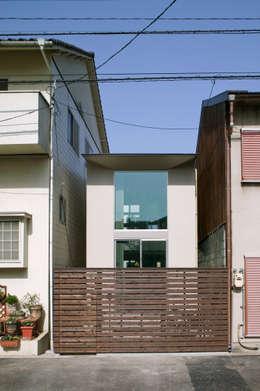南側外観: 有限会社Y設計室が手掛けた家です。