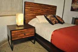 Dormitorios de estilo moderno por Segusino Muebles Condesa