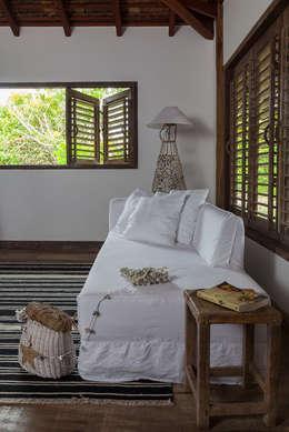 Dormitorios de estilo  por Vida de Vila