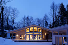 modern Houses by 株式会社山崎屋木工製作所 Curationer事業部