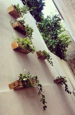 Jardineras: Arte de estilo  por Punto Libre Arquitectura