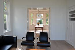 Woonkamer Nieuwveen: minimalistische Woonkamer door CG Interior Architecture