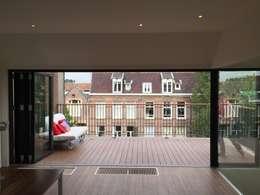 Dakopbouw Amsterdam: moderne Studeerkamer/kantoor door CG Interior Architecture