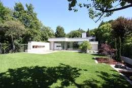 Gartenfassade: moderner Garten von Neugebauer Architekten BDA