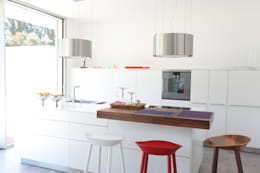 modern Kitchen by Neugebauer Architekten BDA