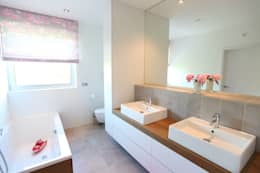 modern Bathroom by Neugebauer Architekten BDA
