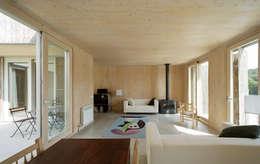 Projekty,  Jadalnia zaprojektowane przez b-House
