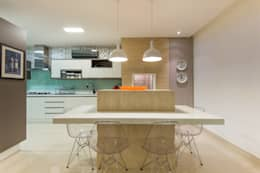 eclectic Kitchen تنفيذ CASA Arquitetura e design de interiores