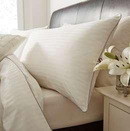 Linge de lit en soie et coton rayée 130 fils : Chambre de style de style Moderne par King of Cotton France
