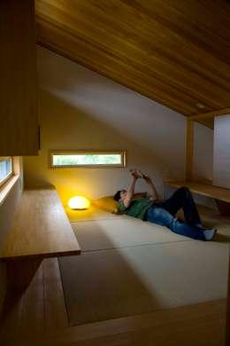 袋井の家 畳の書斎: 木名瀬佳世建築研究室が手掛けた書斎です。
