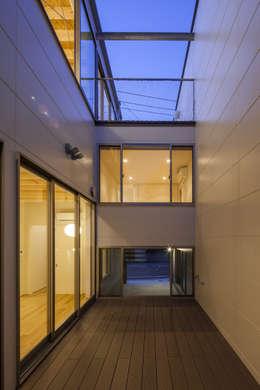 U建築設計室의  베란다
