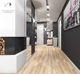 Corridor & hallway by Architekt wnętrz Klaudia Pniak