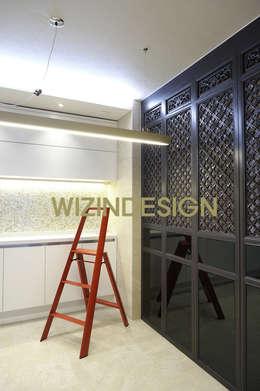 청담동 70평 아파트 : wizingallery의  드레스 룸