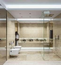 Интерьер двухуровневой квартиры, Швейцария, Локарно: Ванные комнаты в . Автор – LOFTING