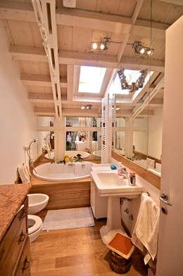 modern Bathroom by VITTORIO GARATTI ARCHITETTO