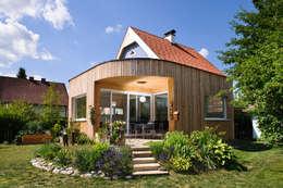 Casas de estilo moderno por Architekturbüro DI Irmgard Wressnegger