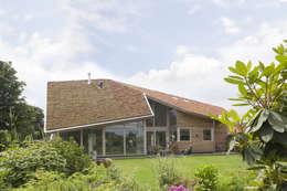 Den Ham 01: moderne Huizen door hamhuis architecten